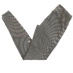 Alo Geometric Yoga Pants (4)